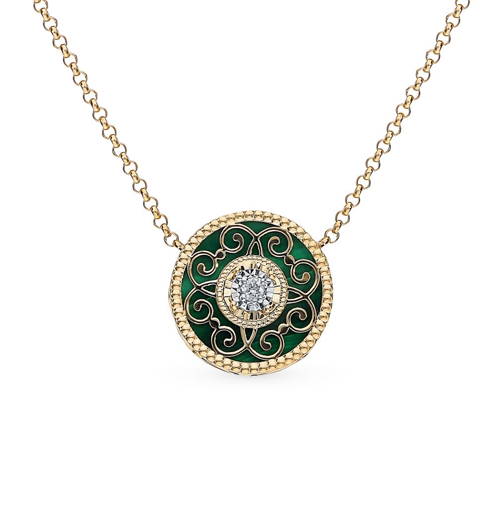 золотое шейное украшение с малахитом и бриллиантами