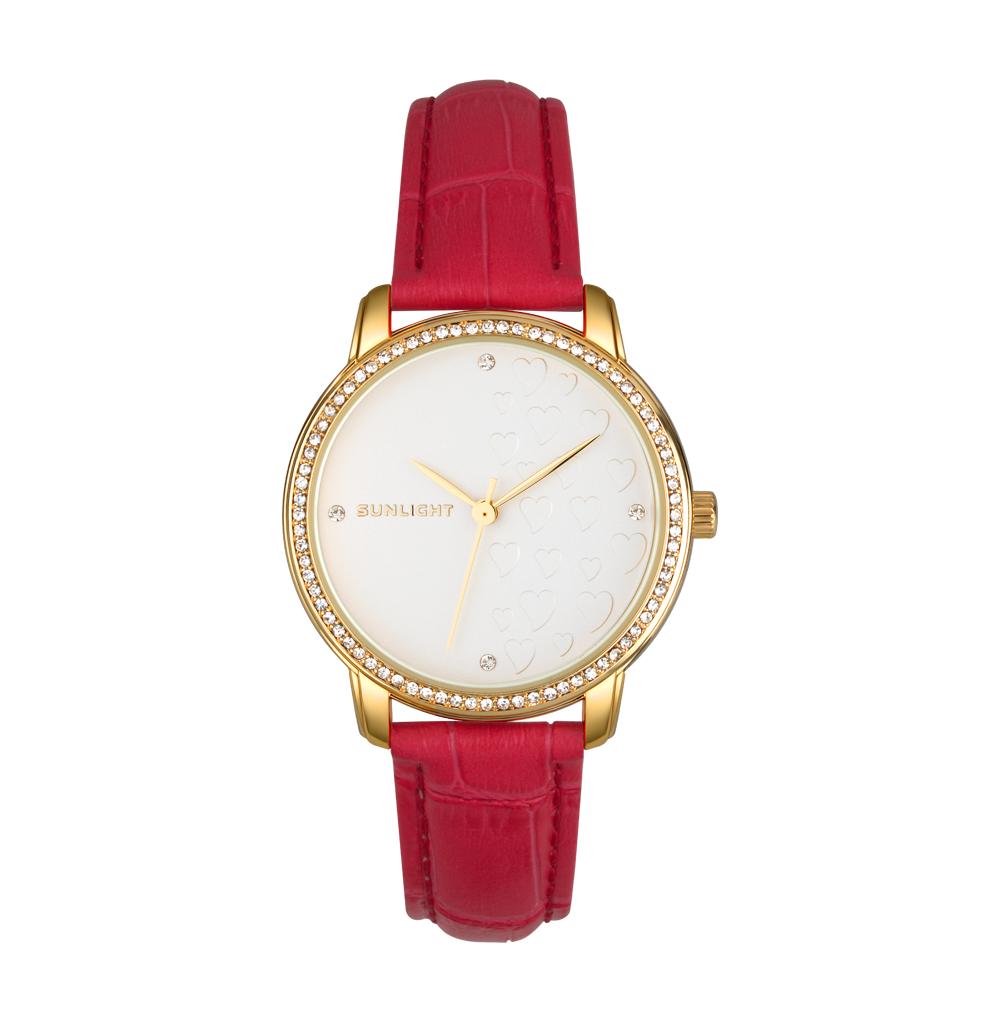 Женские часы с кристаллами на кожаном браслете