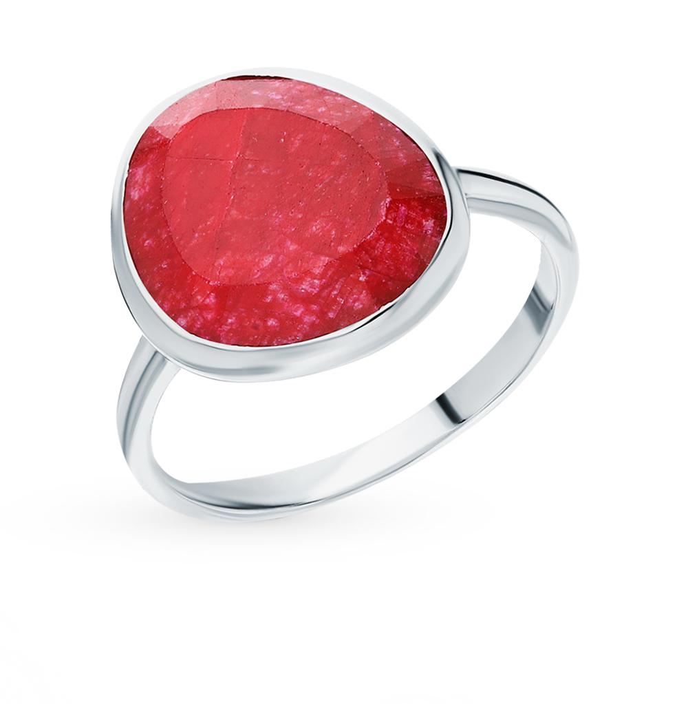 Серебряное кольцо с корундом в Санкт-Петербурге