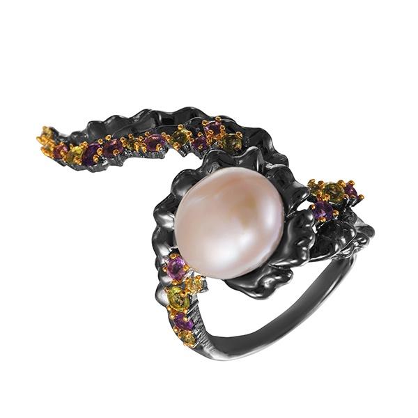 Фото «Серебряное кольцо с аметистом, жемчугами культивированными и перидотами»