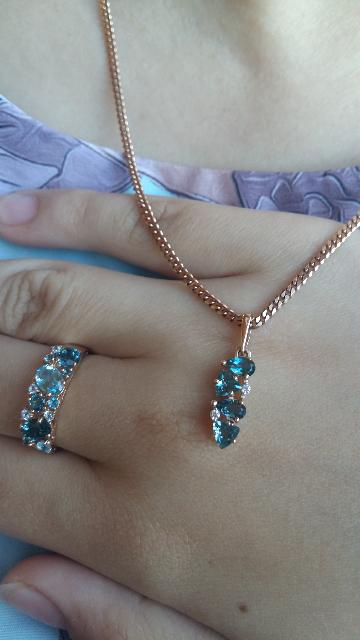 Сияющее кольцо с топазами