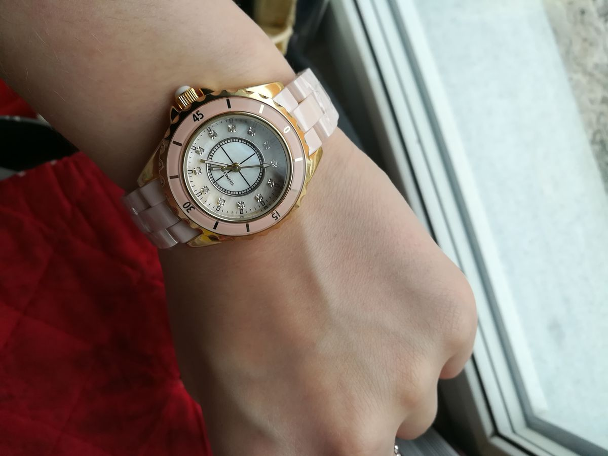 Невероятно красивые часы!