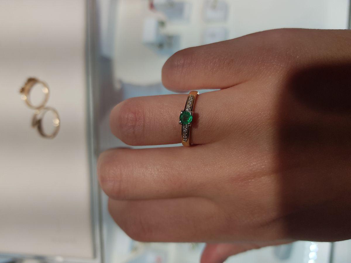 Аккуратное, красивое кольцо