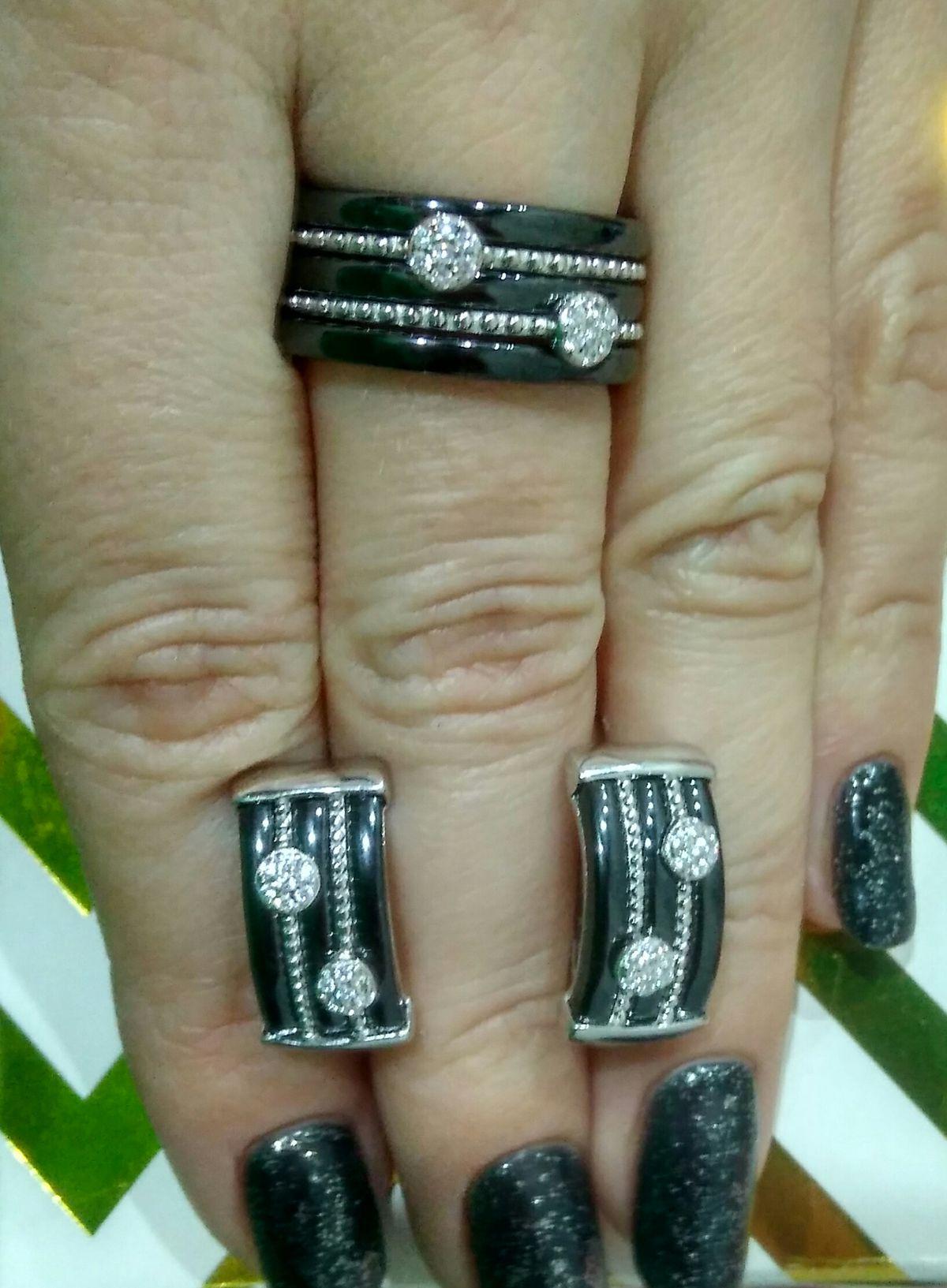 Моё новое кольцо в центре внимания)))