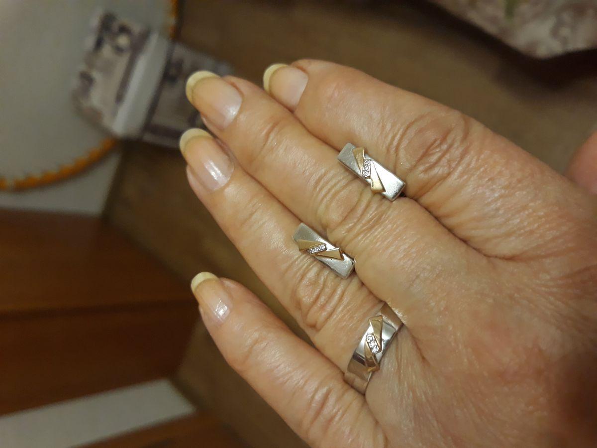 Серебряное кольцо с бриллианттом