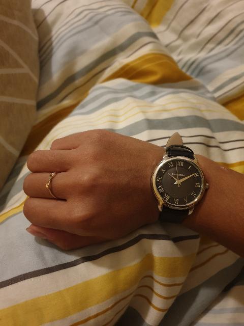 Стильные, классические часы