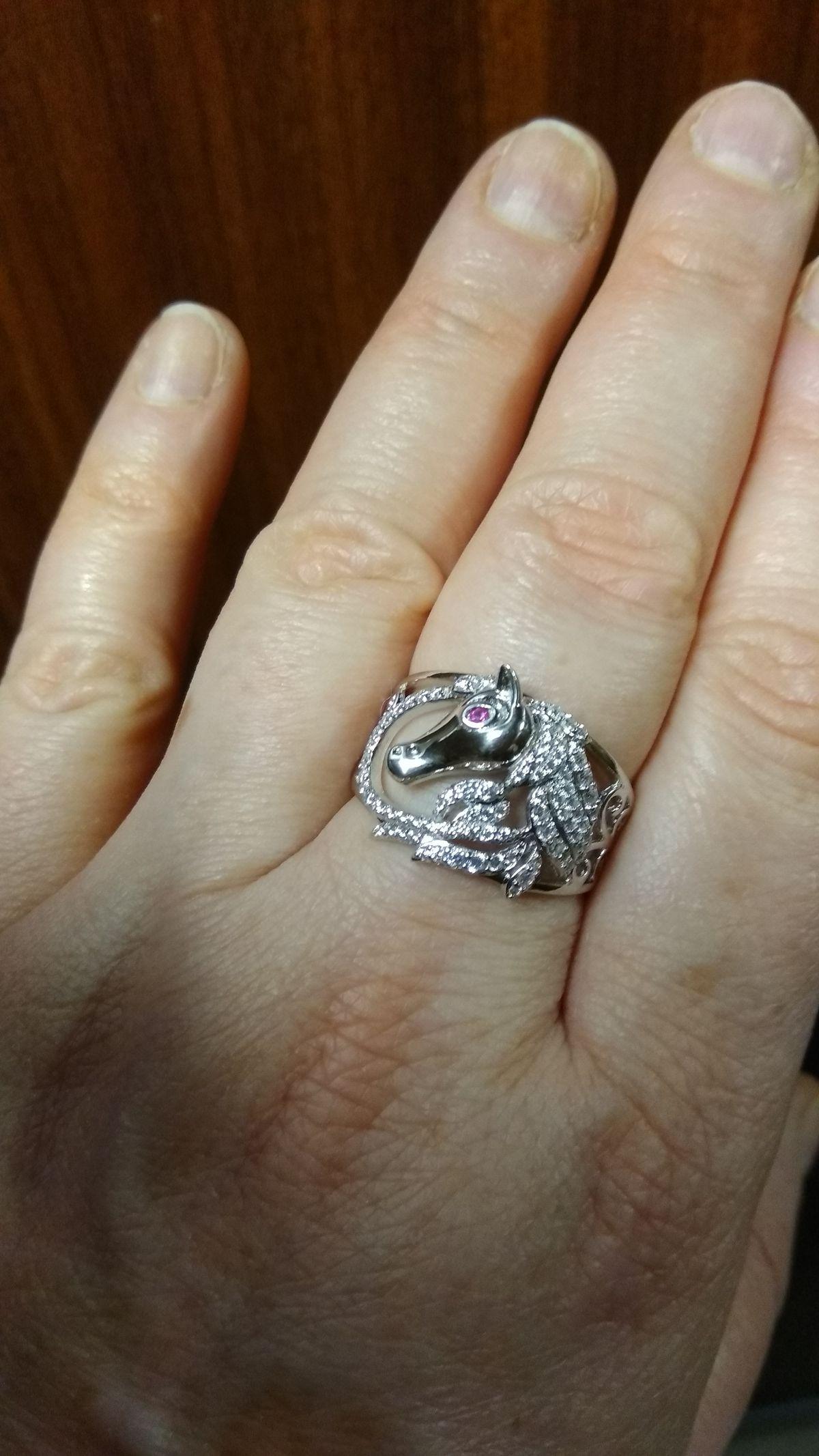 Серебряное кольцо лошадка