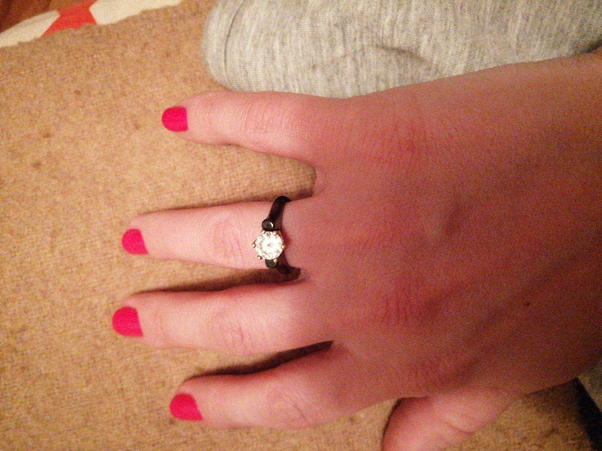 Шикарное кольцо из керамики