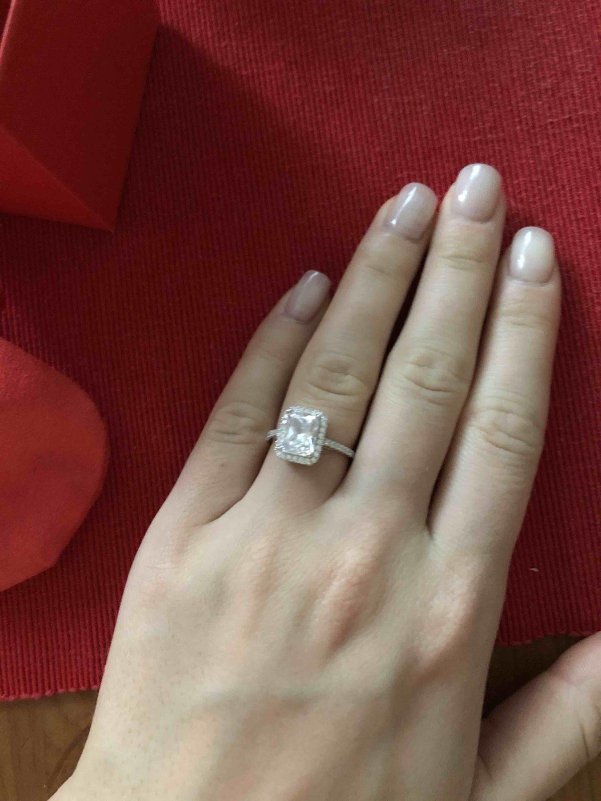 Кольцо с невероятным блеском