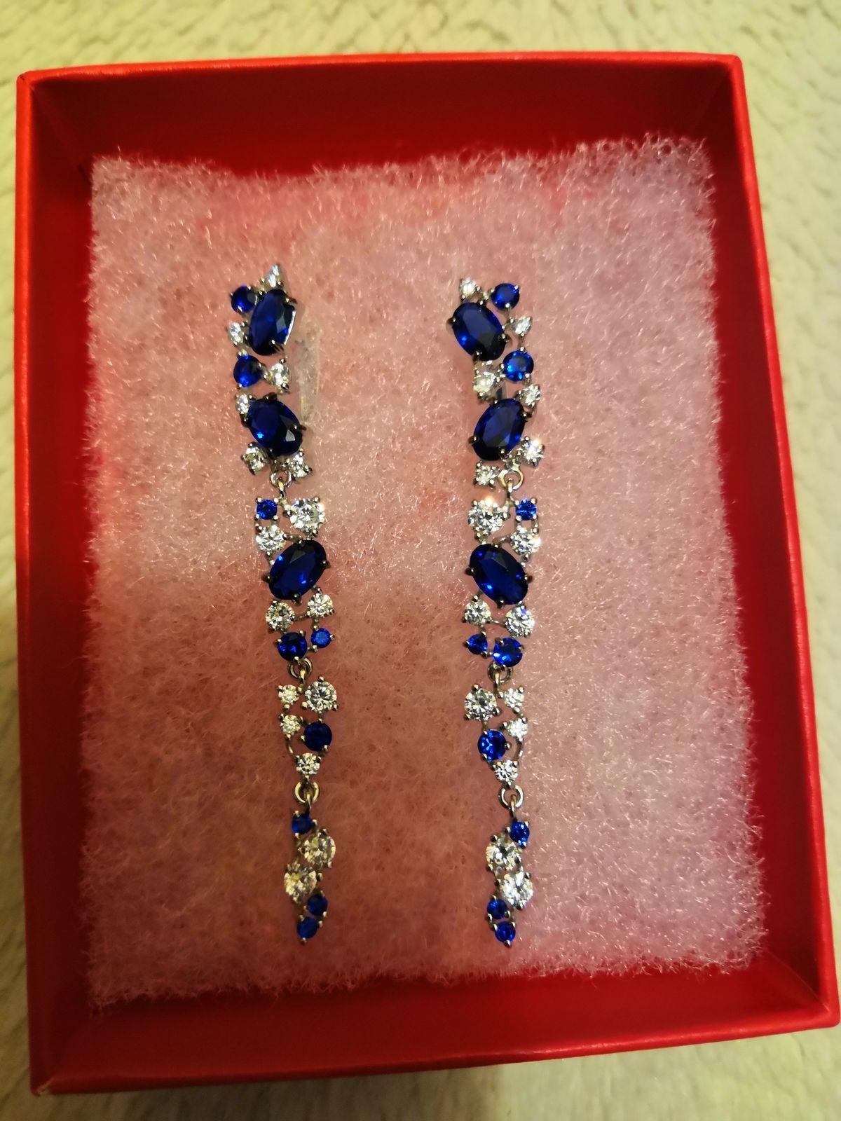 Роскошные серьги с насыщенным синим цветом 💙