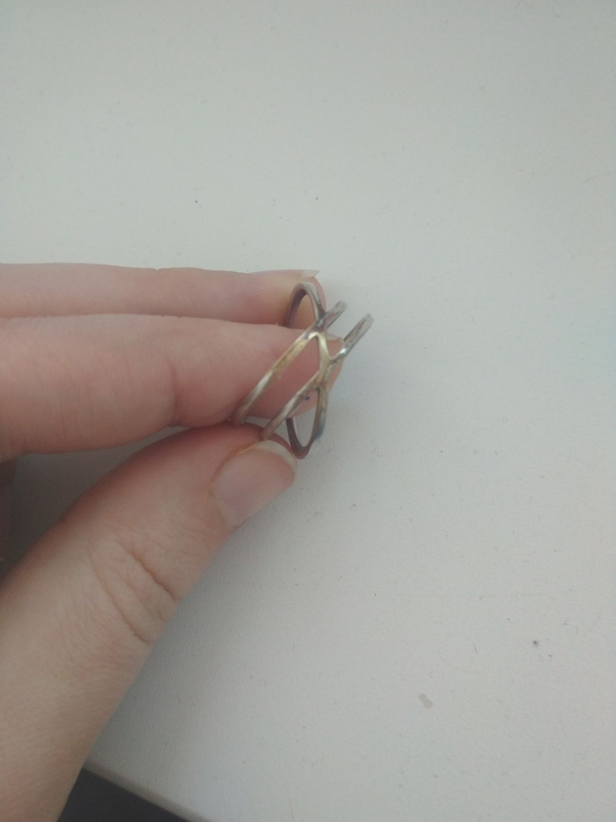 Стильное кольцо, но через время облазиет