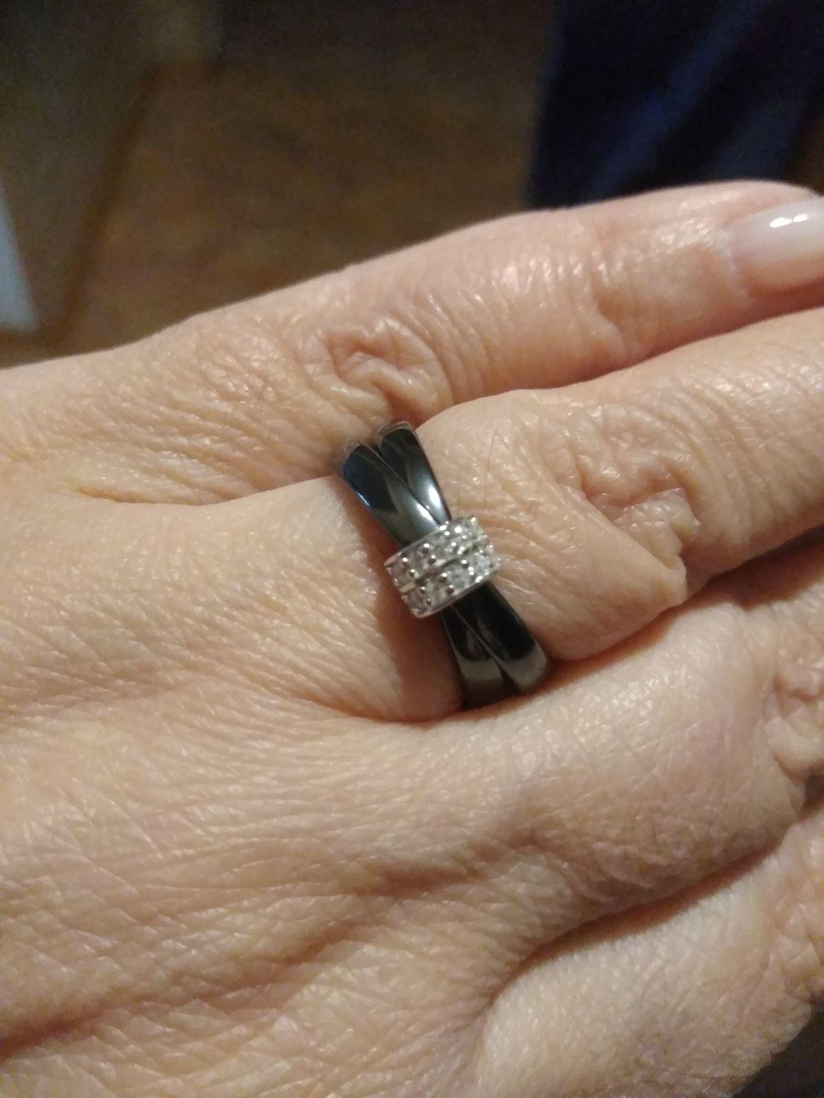 Керамическое двойное колечко, отличный подарок в канун нового года