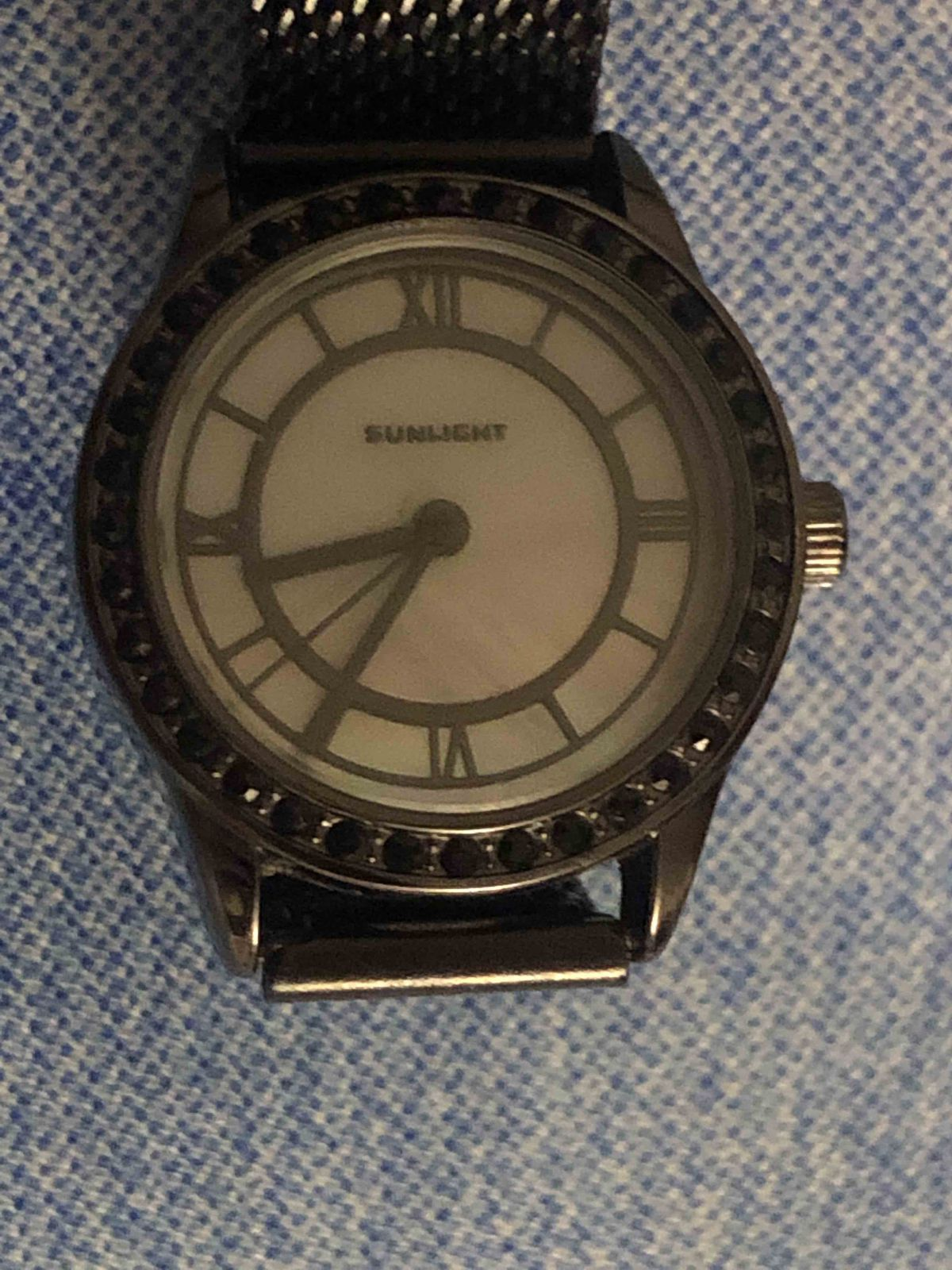Часы с перламутром