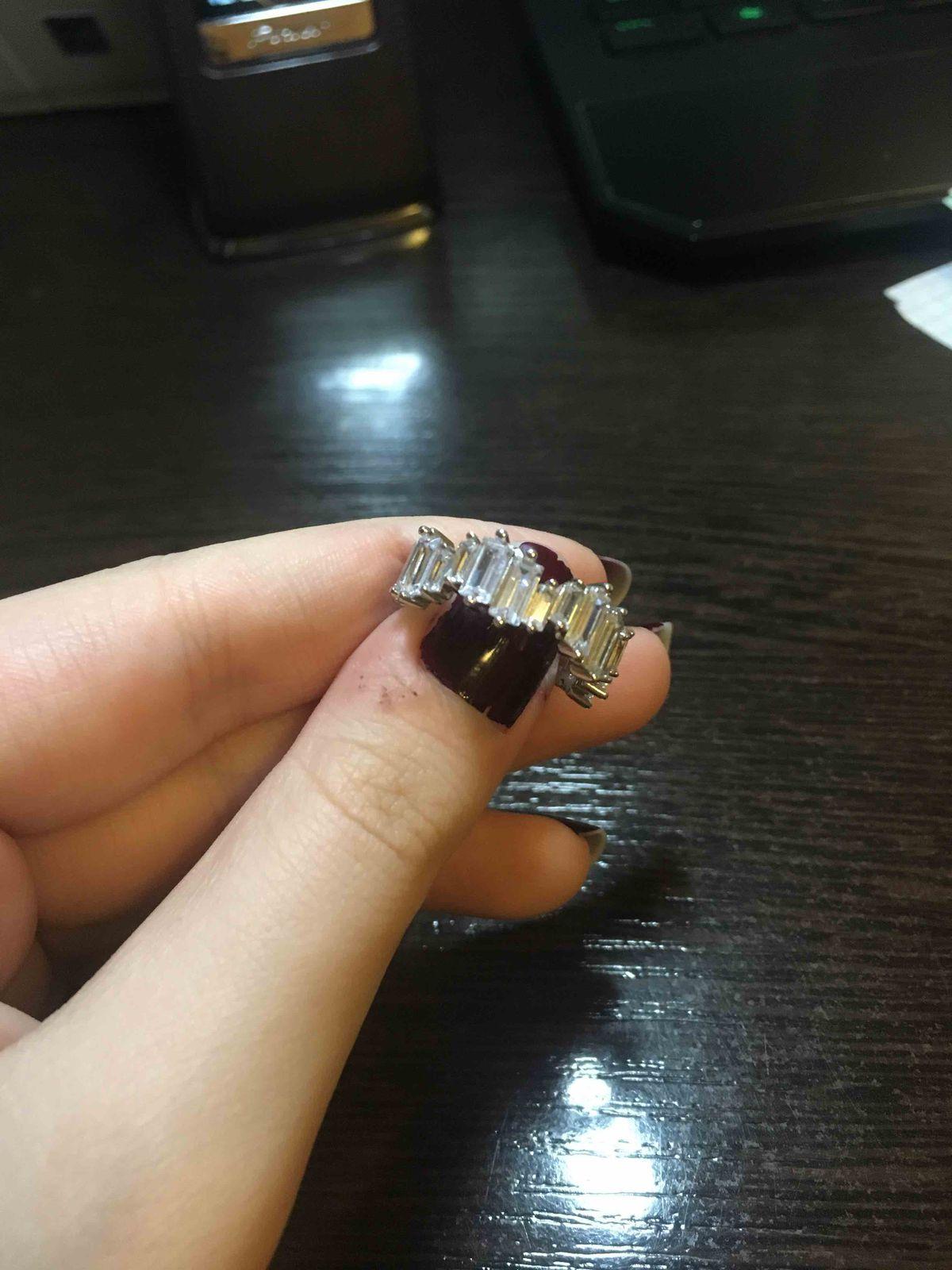 Необычное, элегантное кольцо