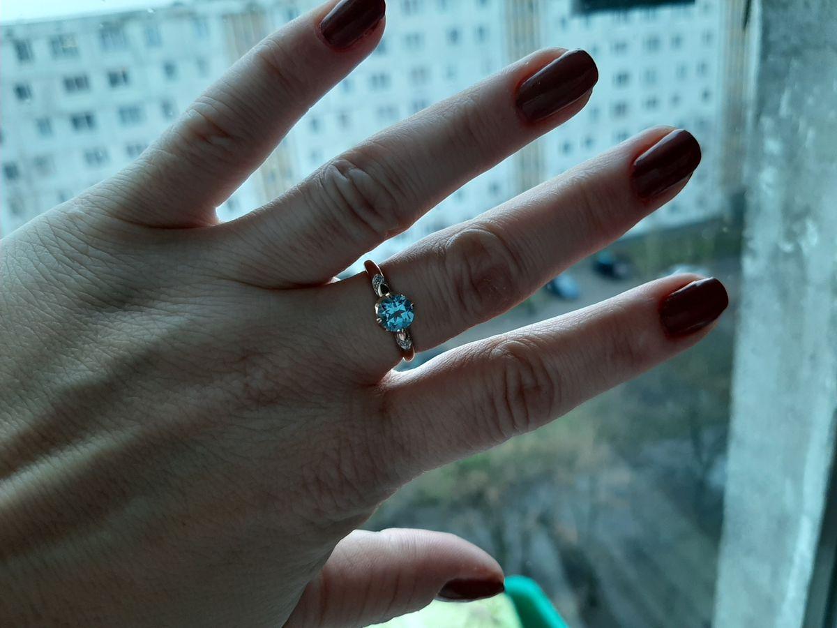 Кольцо с очень красивым топазом
