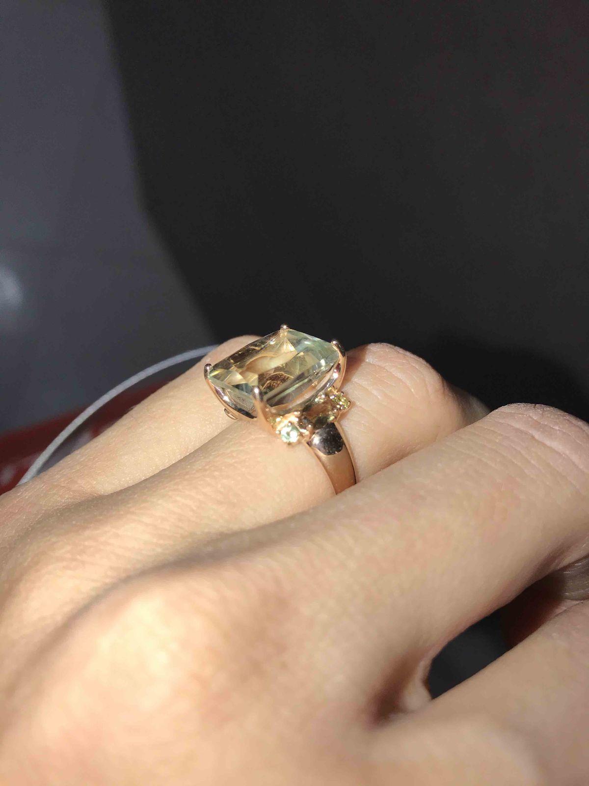 Красивое крупное кольцо