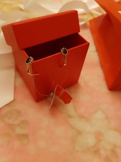 Очень красивые сережечки купила для внучке  просто супер  ,очень красивые ,