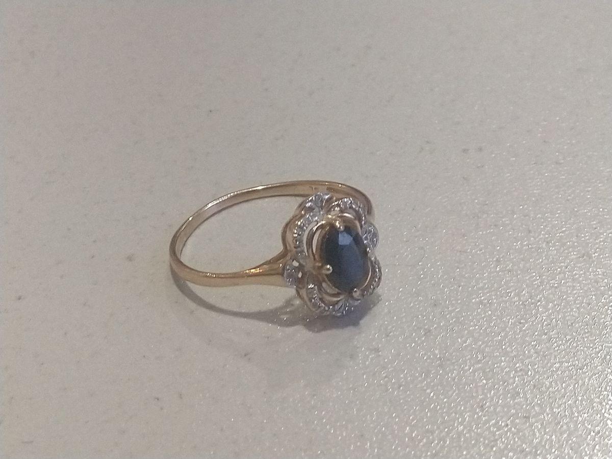 Шикарное кольцо с сапфиром и бриллиантами