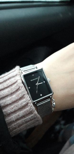 Часы симпатичные
