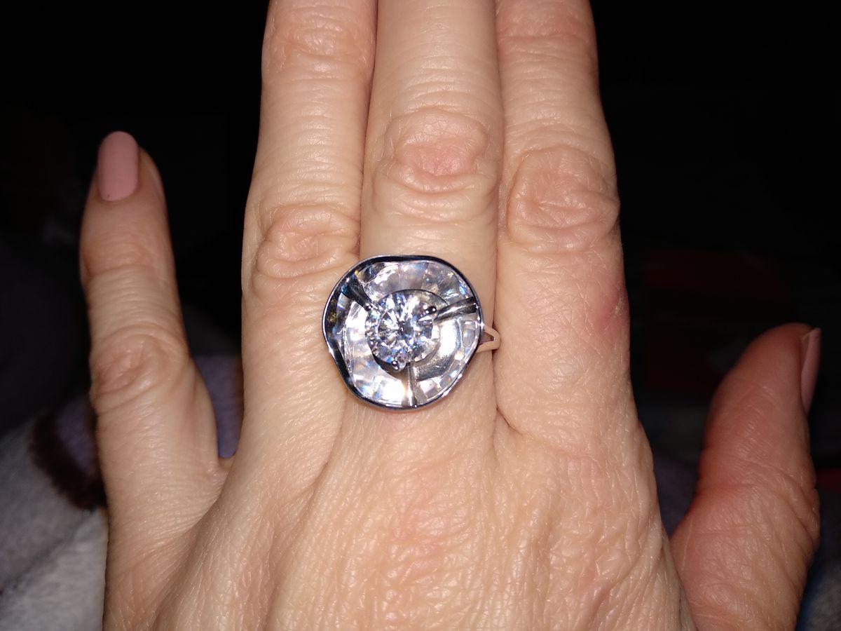 Очень привлекательное кольцо
