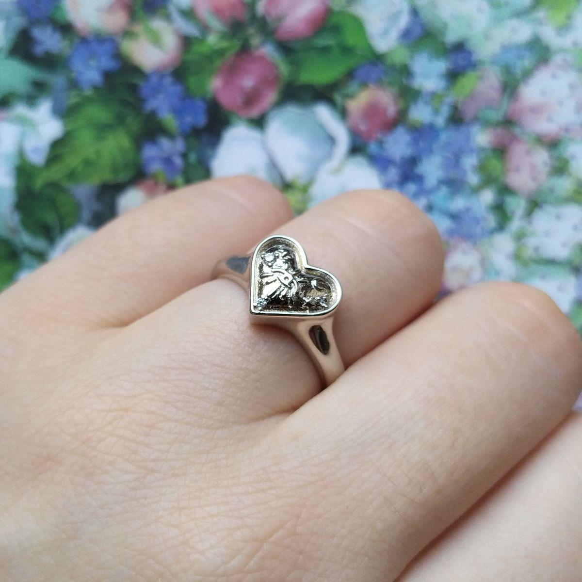 Красивое кольцо с необычным рисунком