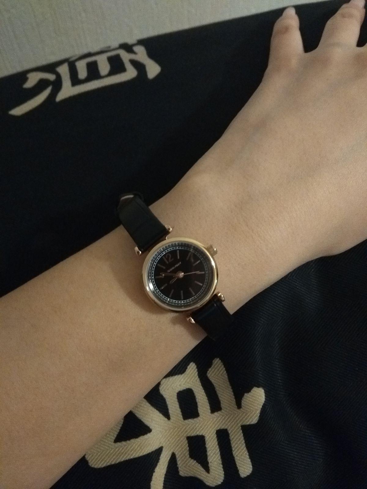 Аккуратные, женские часы