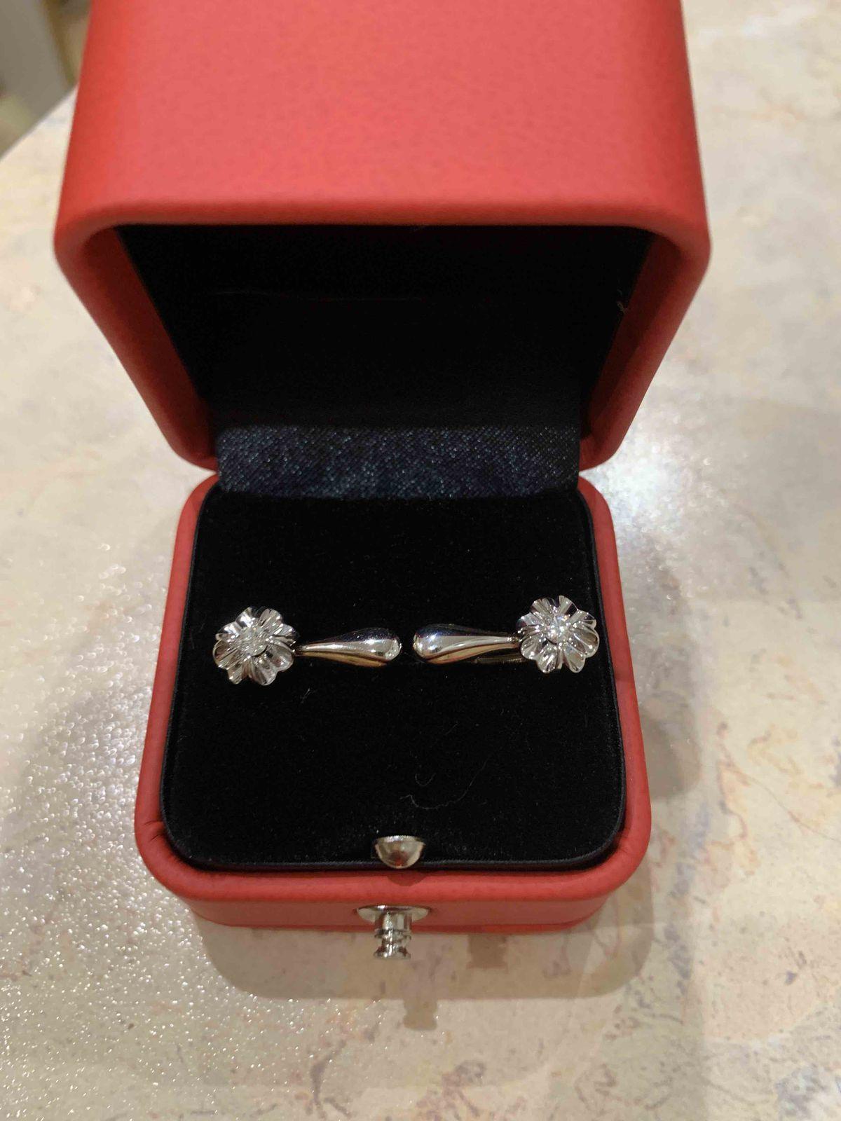 Золотые серьги с бриллиантами из коллекции бриллианты якутии.