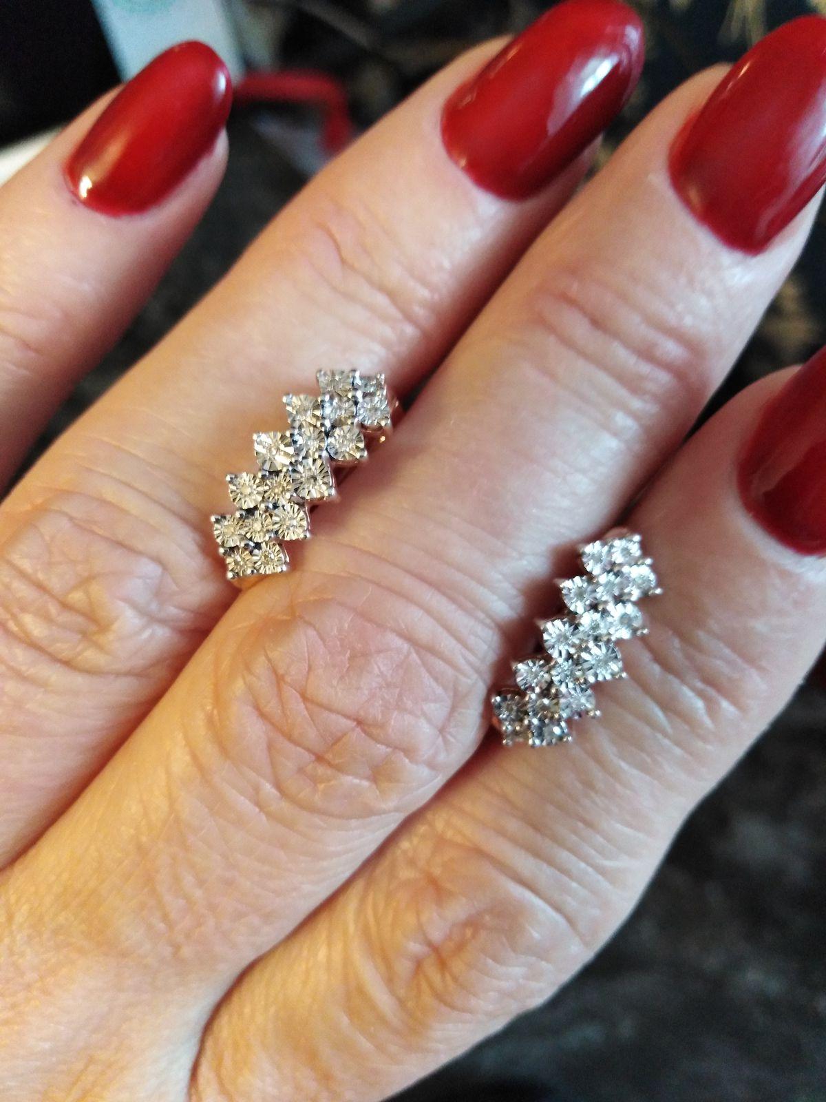 Бриллиантовые серёжки прелесть!