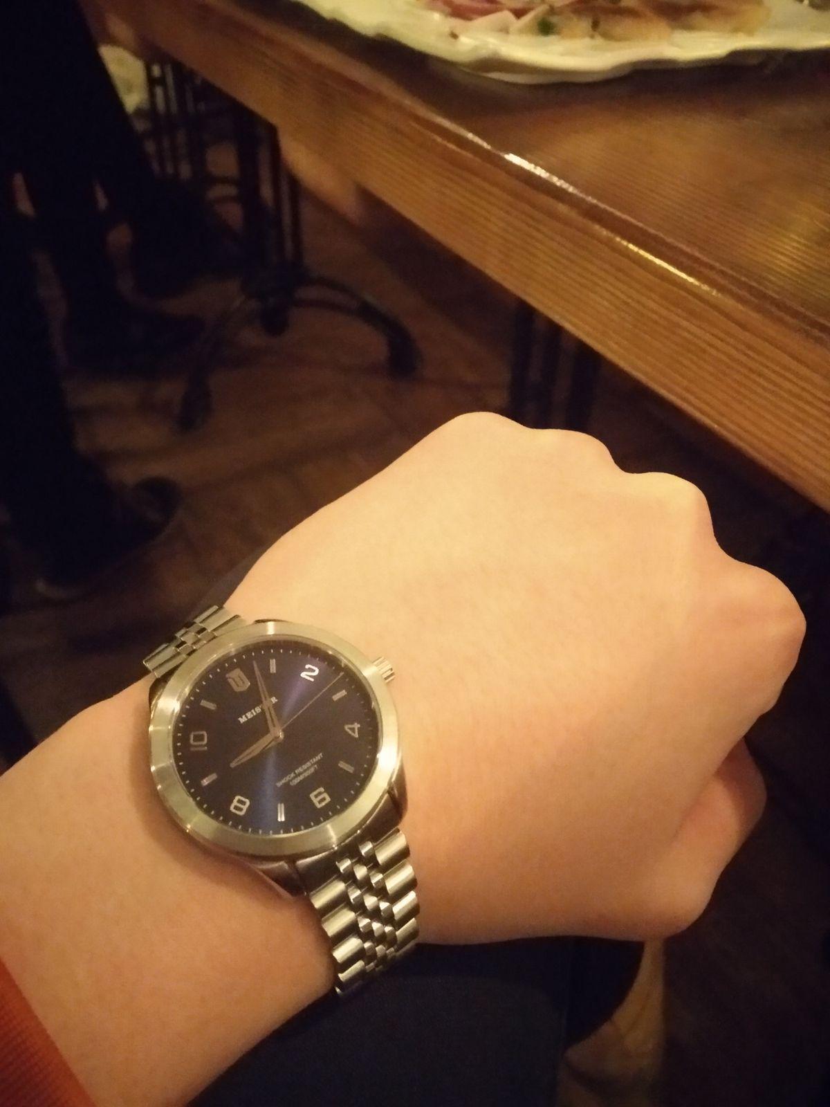 Часы отличные, удобные!Советую брать, но избранным!