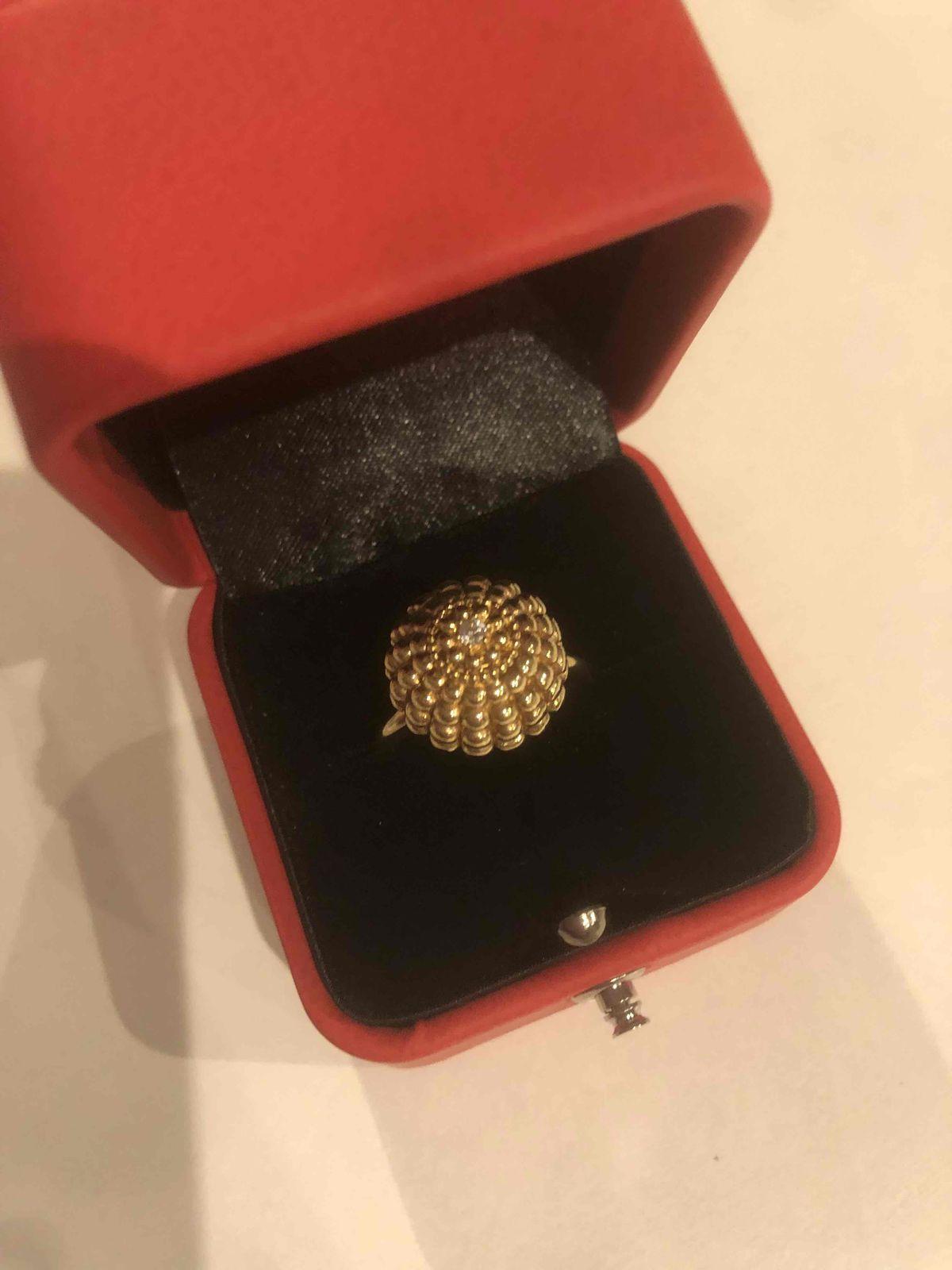 Кольцо очень красивое,мне очень понравилось ,давно хотела его,я довольна