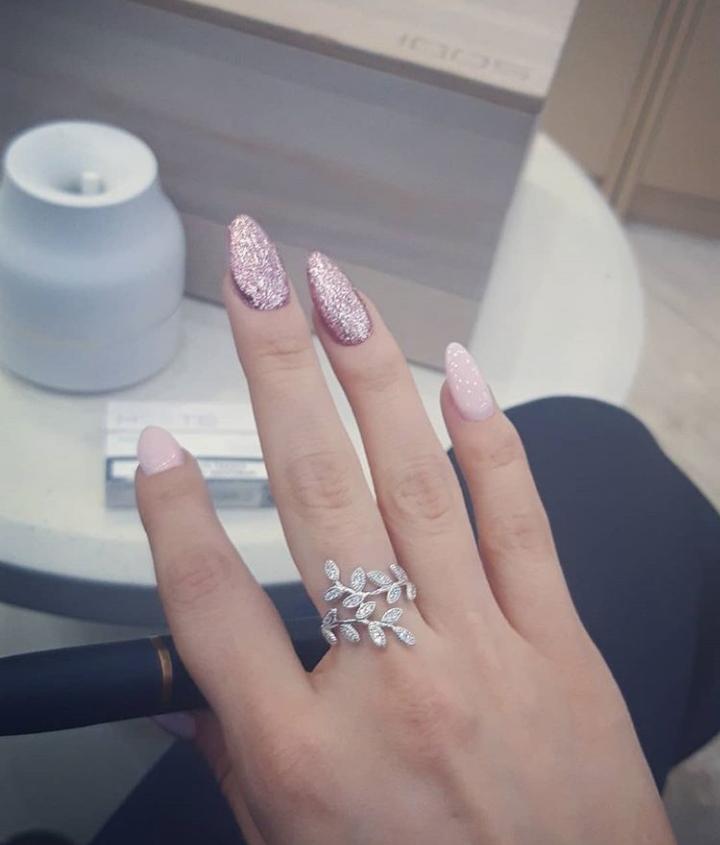 Красивое серебрянное кольцо