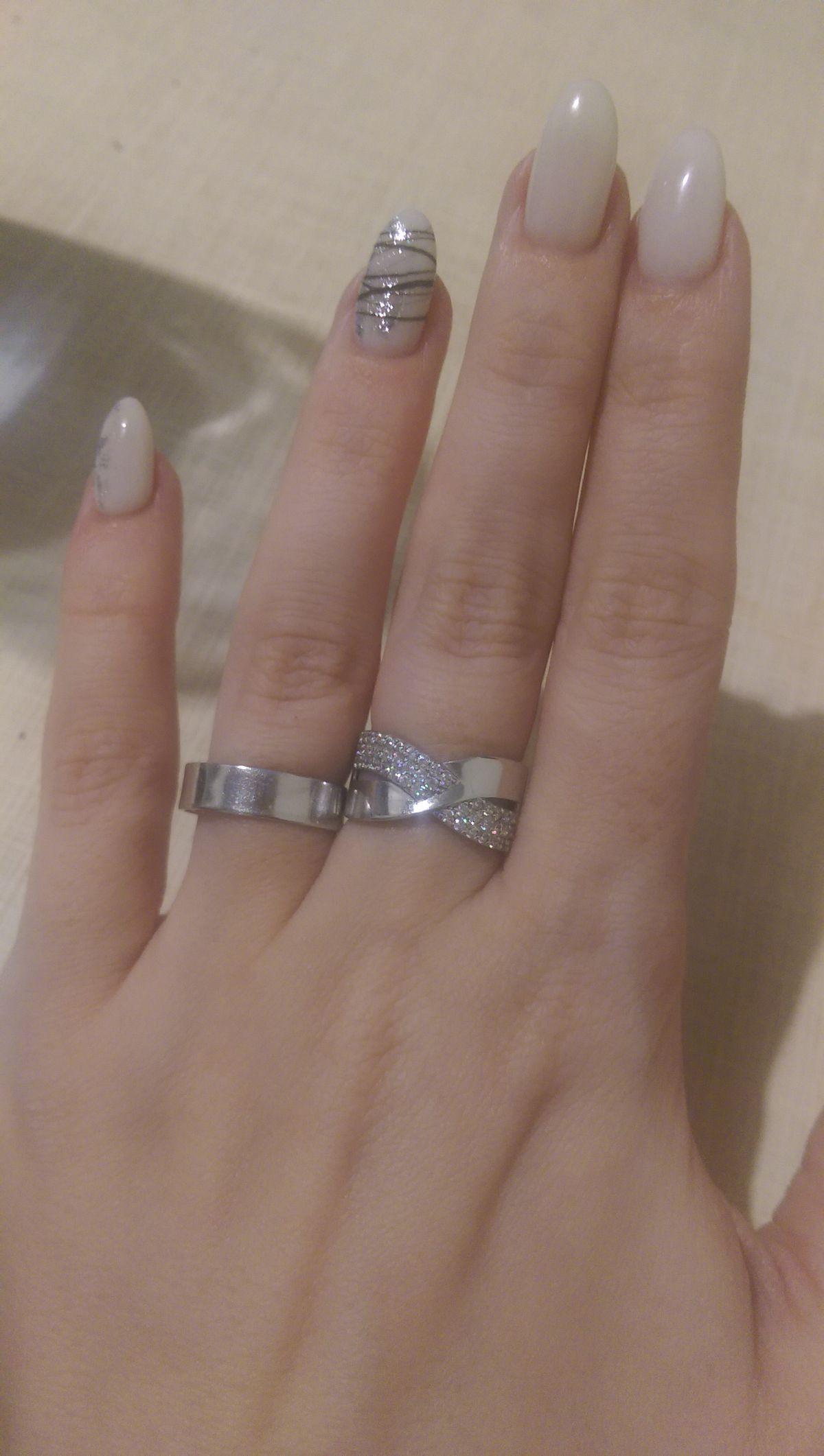 Кольцо с фианитами серебряное