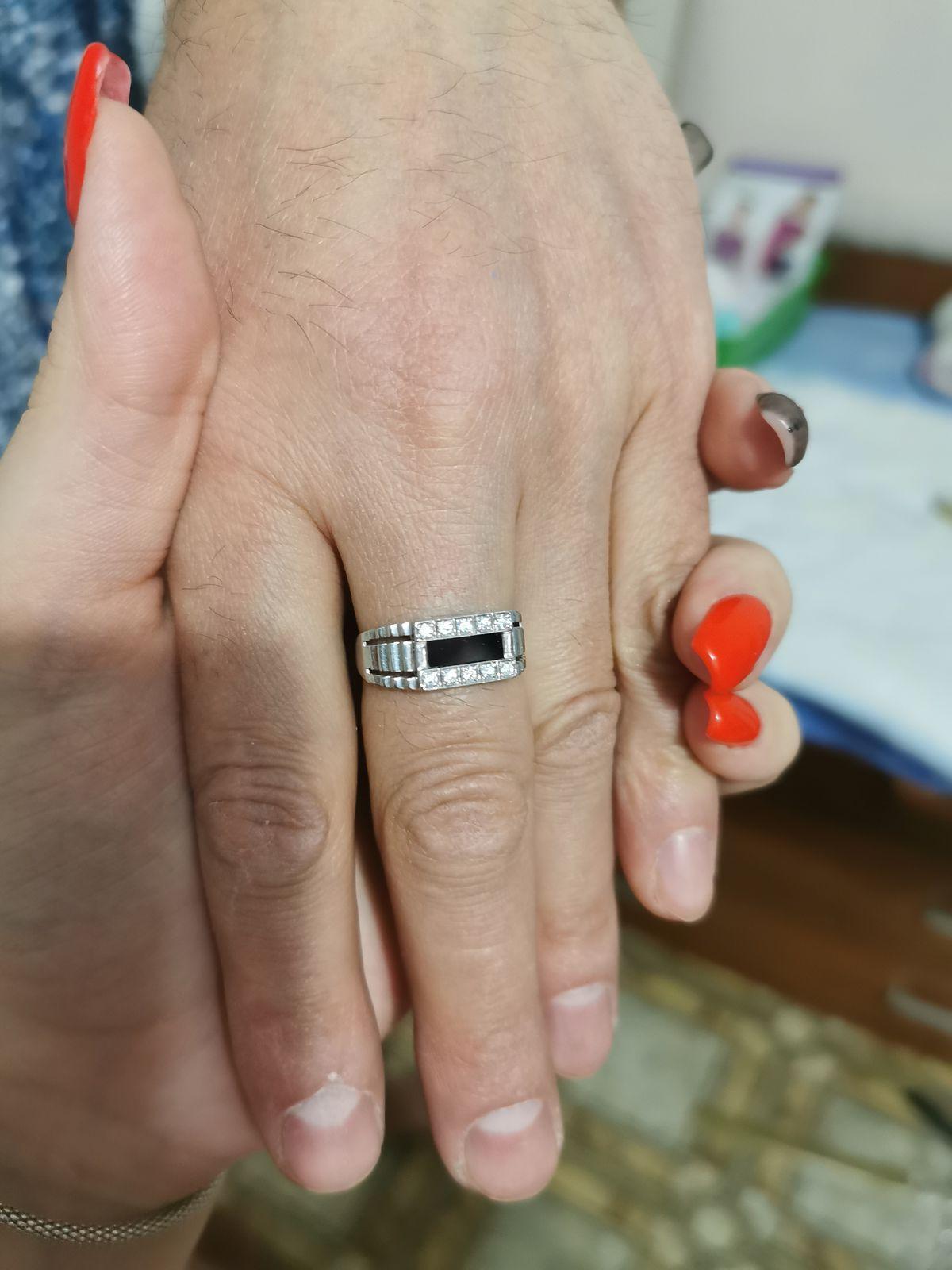 Серебряное кольцо от LIBERTY