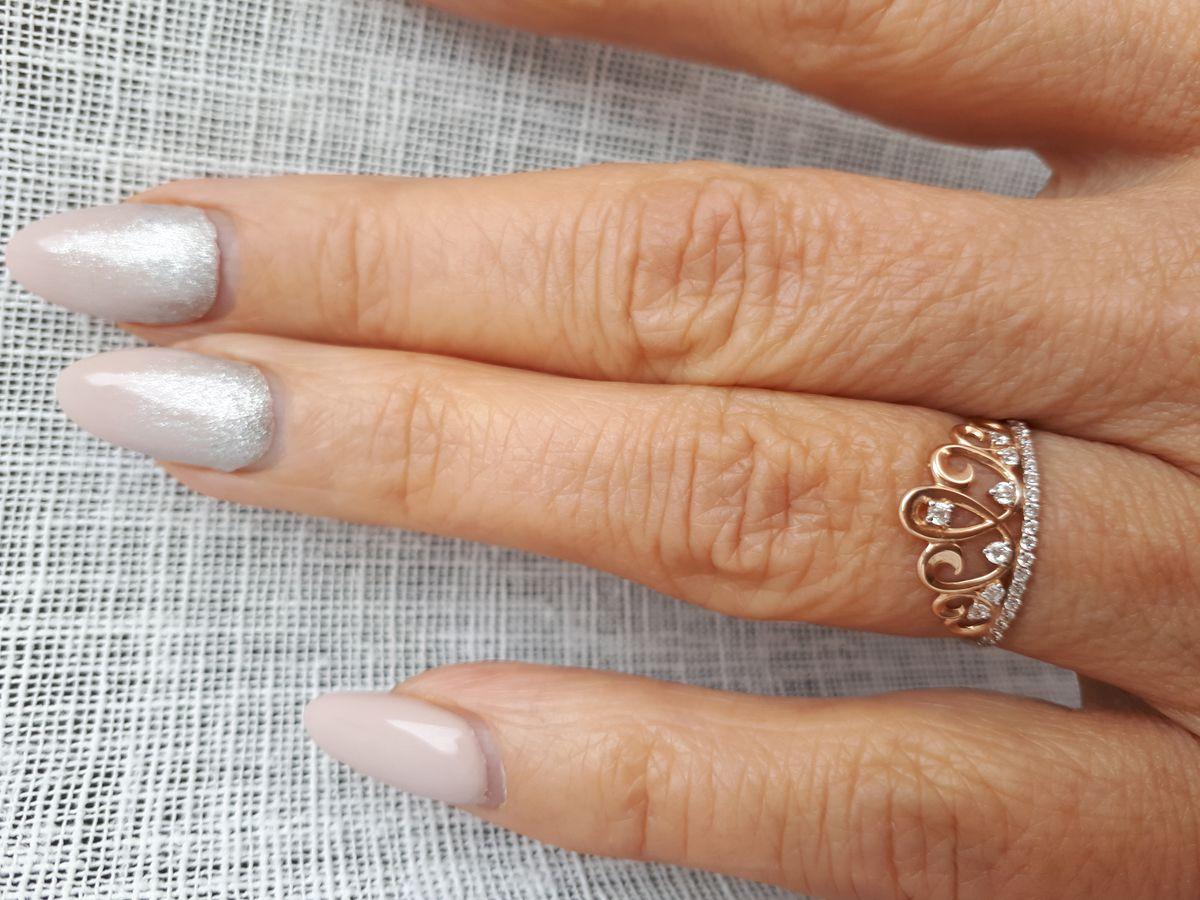 Золотое кольцо с фианитами симфол - корона.