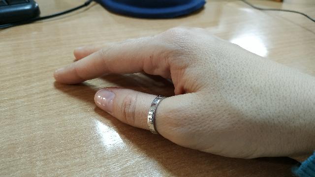 Элегантное и лаконичное кольцо