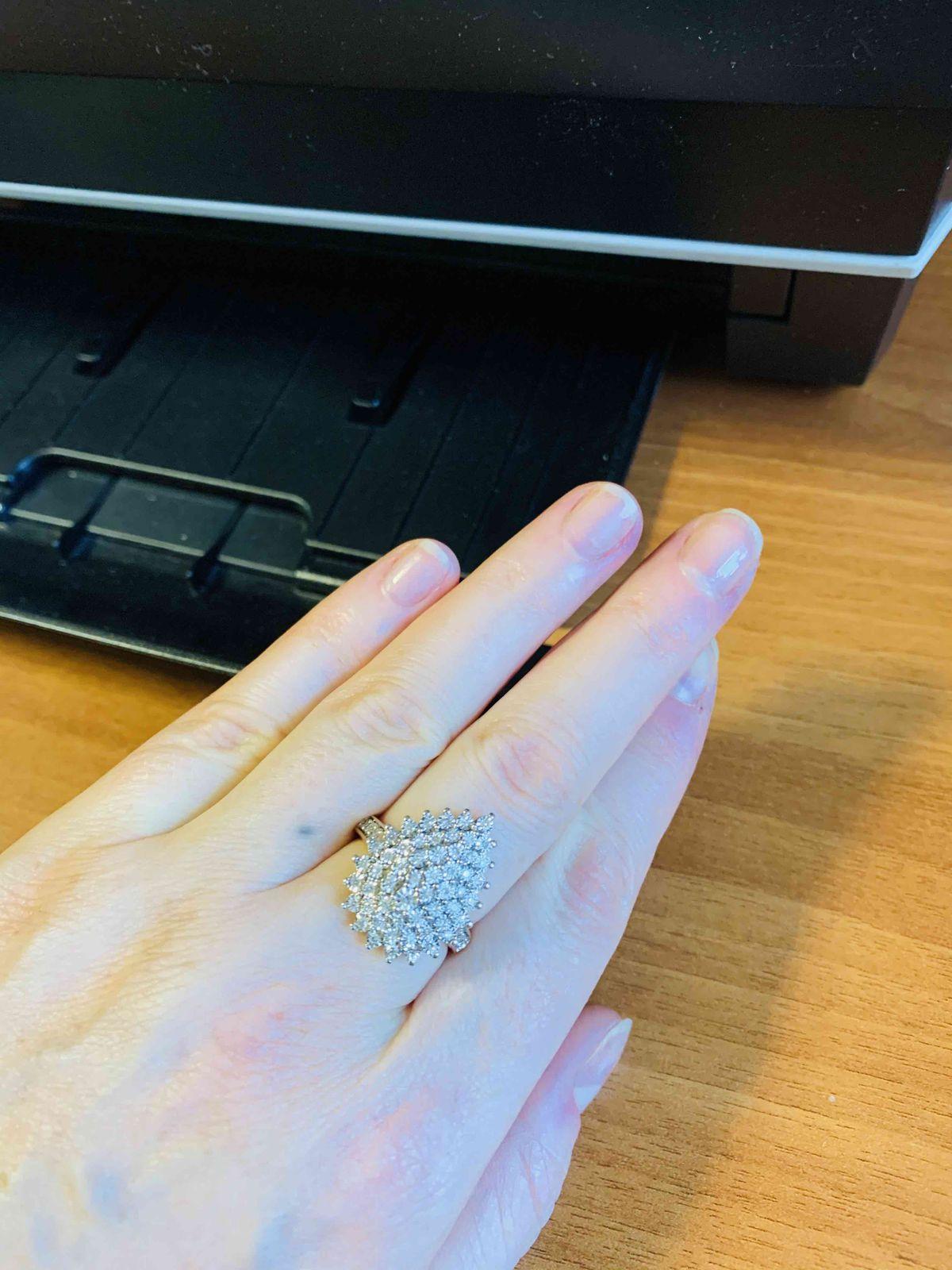 Шикарное и воситительное кольцо!