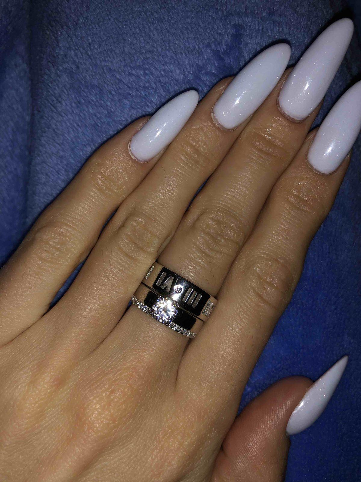 Кольцо очень стильное и минималистичное🖤