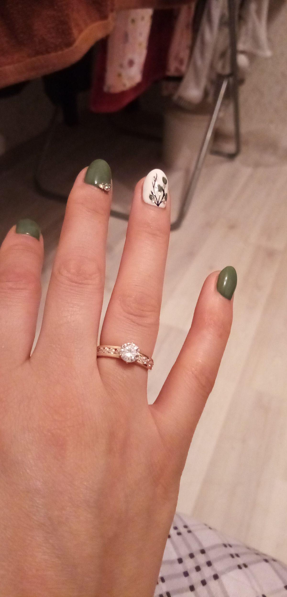 Супер красивое кольцо с фианитом и кристалами