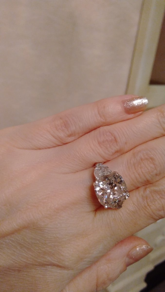 Cпасибо, счастье, практически розовый бриллиант, шикарный, стильный!