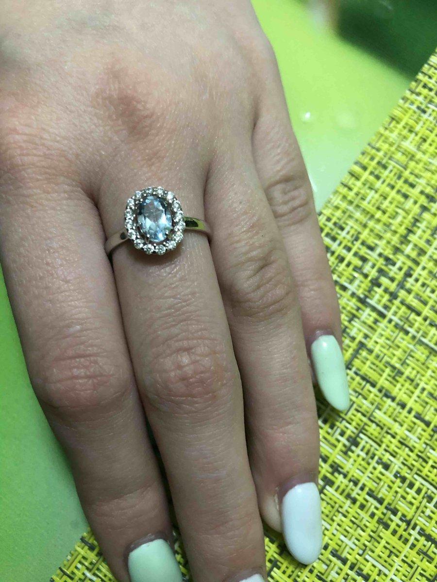 Красивое кольцо, выглядит богато, даже не скадешь что это серебро.Спасибо.