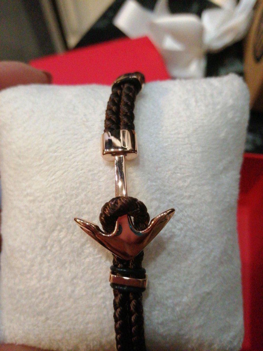 Безумно красивый и стильный мужской браслет!