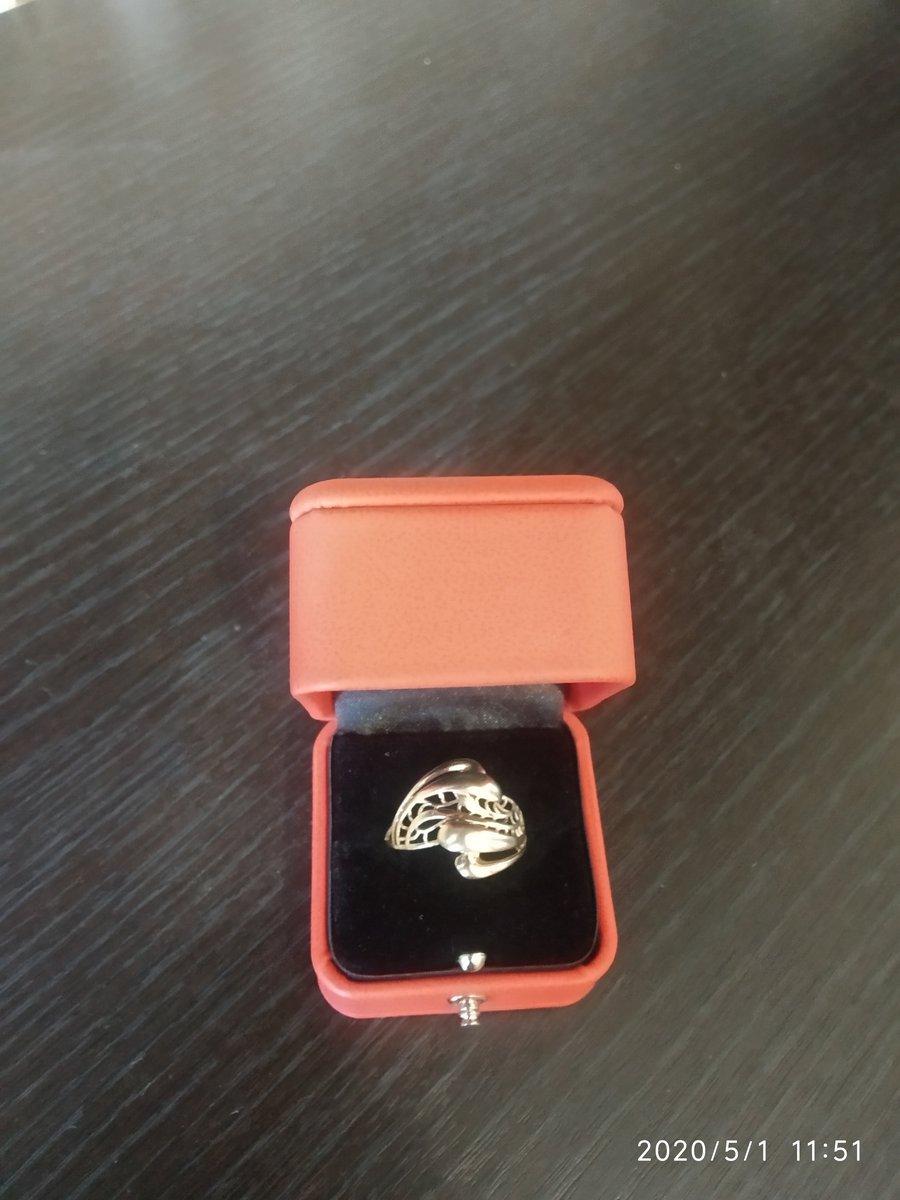 В этом магазине я приобрела кольцо и осталась довольна,благодаря продавцам.