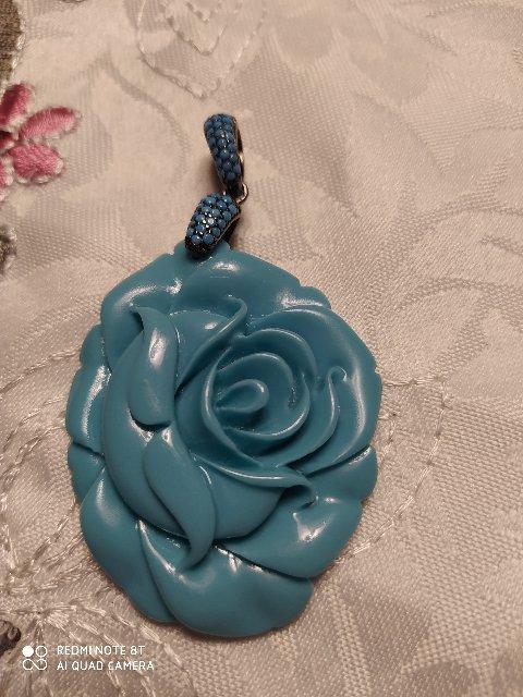Кулон голубая роза
