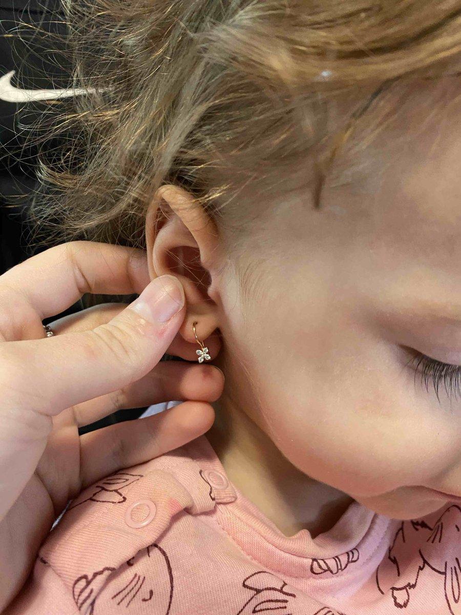 Милые сережки для маленькой принцессы