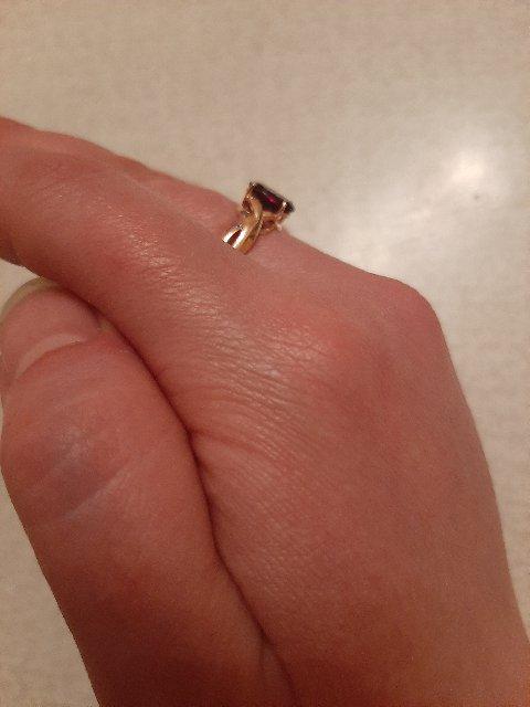 Золотое кольцо с гранатом!!!👍