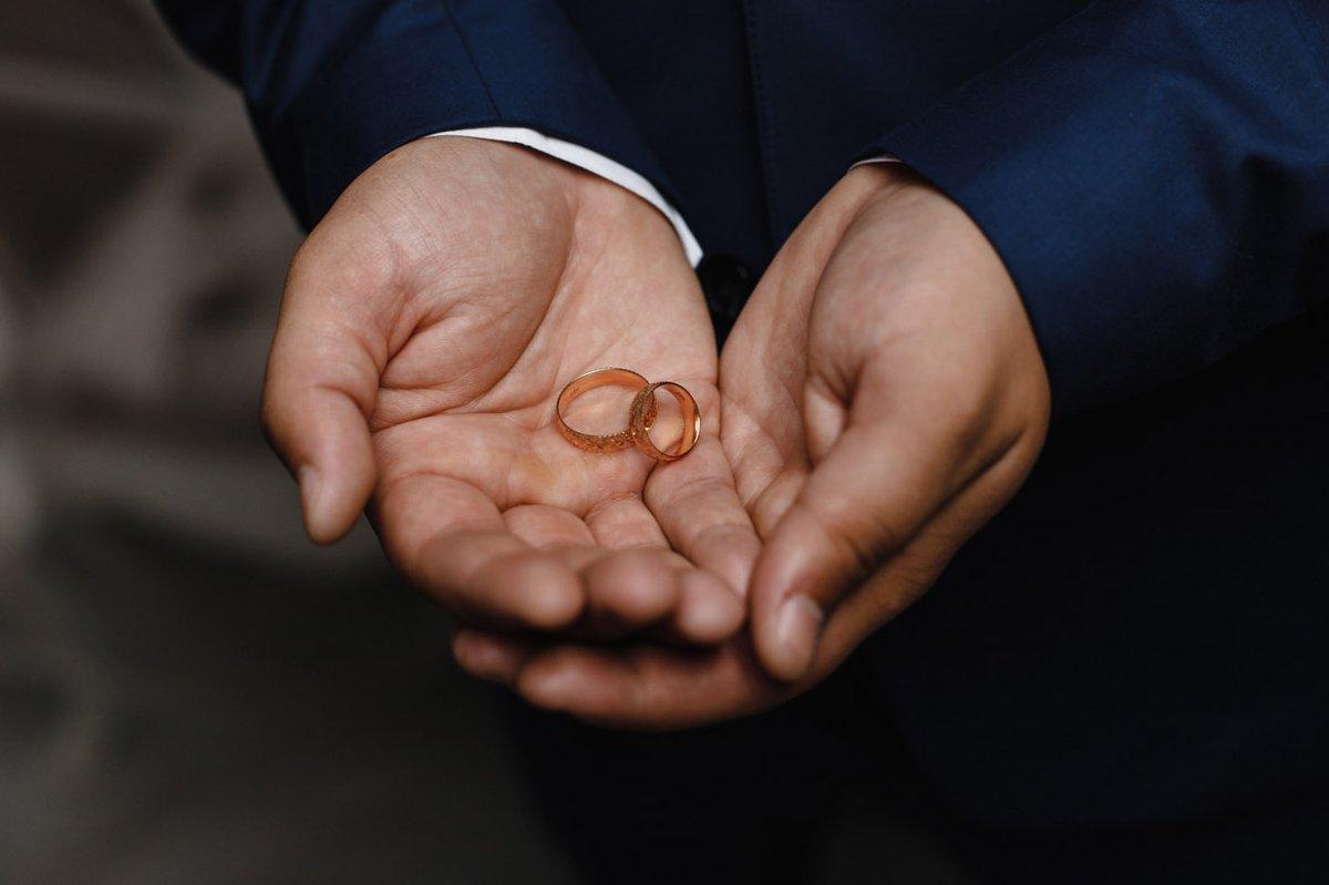 Обручальное кольцо великолепное мужское