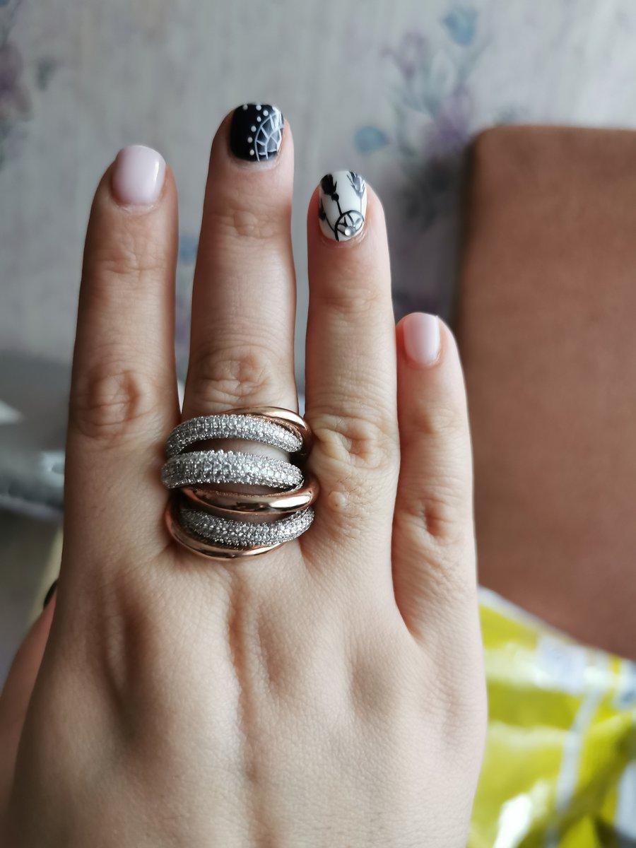Шикарно кольцо. Мне очень понравилось.