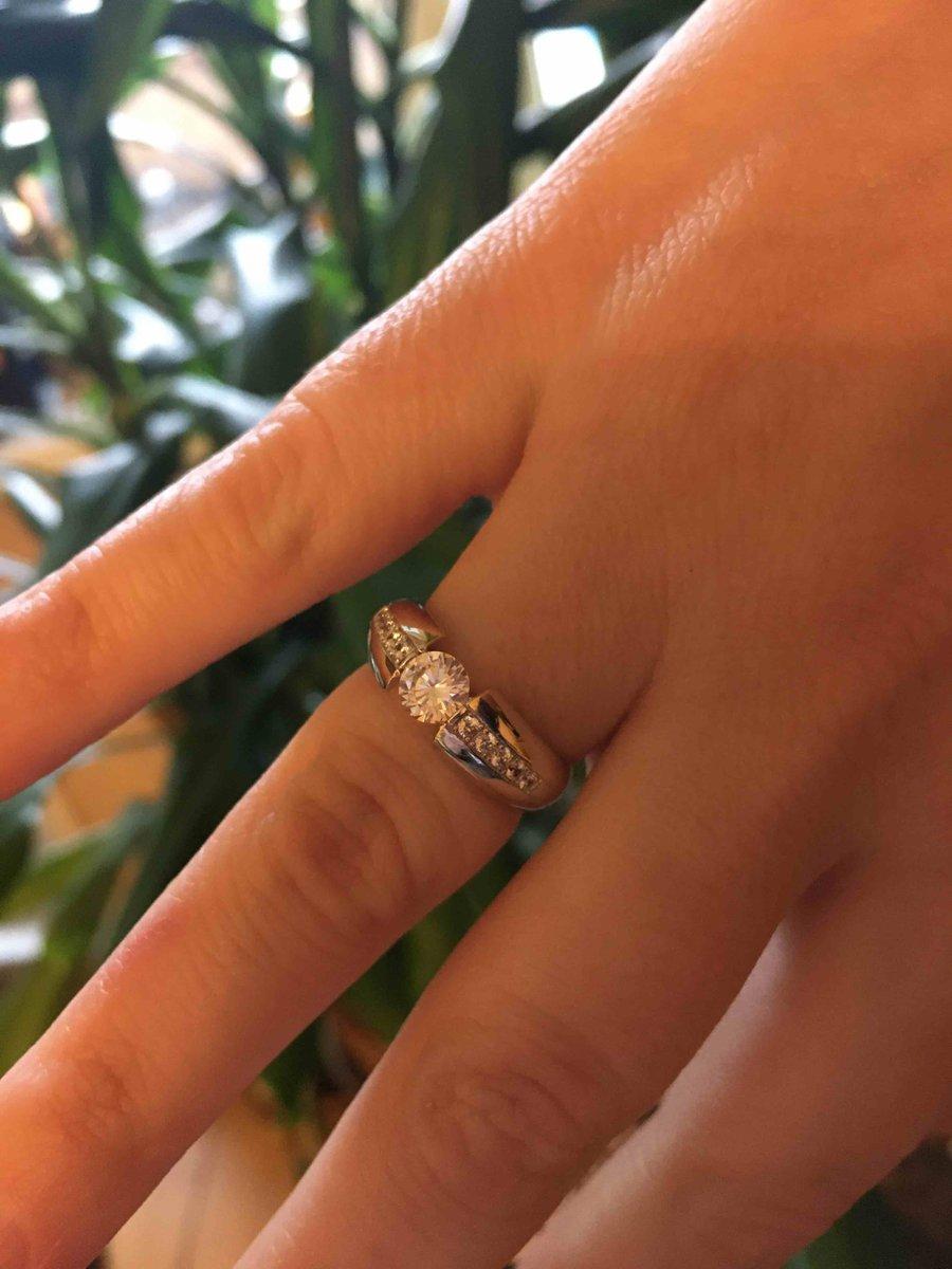 Очень нежное кольцо.