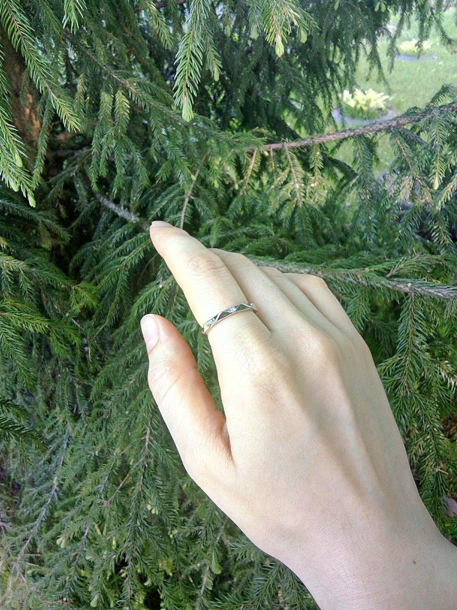 Отличное базовое кольцо.