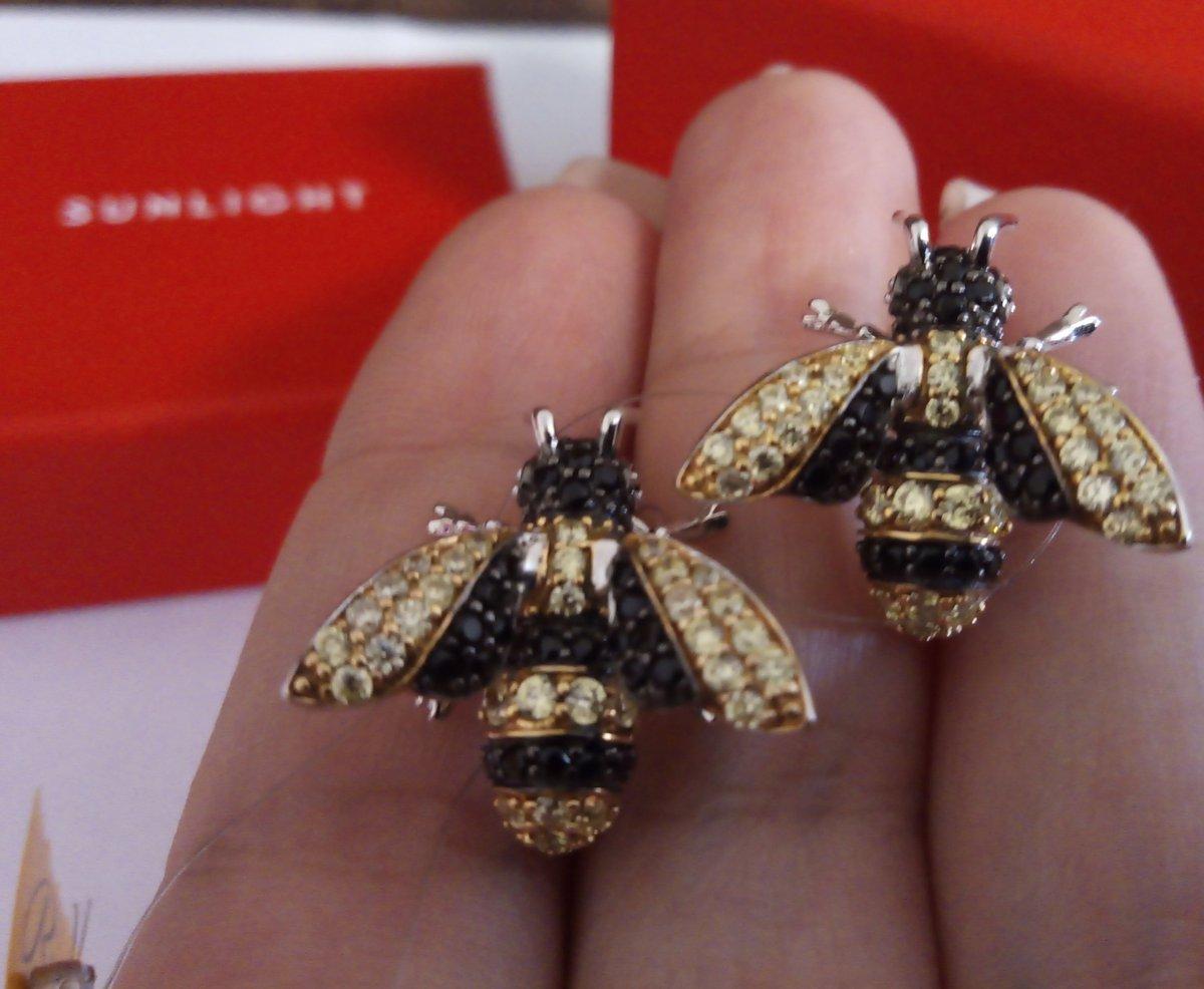 Красивые пчёлки